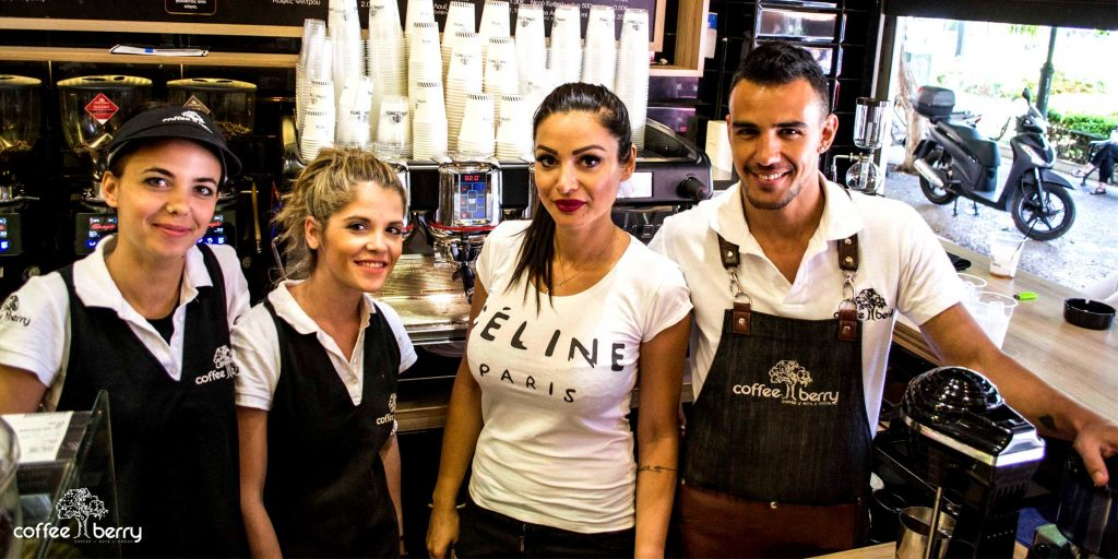 Συνέντευξη με Τζούλια Μπαρκιτζόγλου και Θανάση Κόη, franchisees της Coffee Berry στην Καλλιθέα